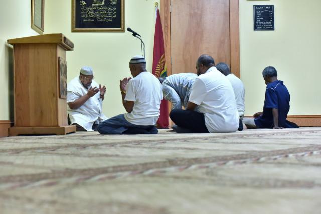 مزاحم تلفنی چندین بار مسجد را مورد تهدید قرار داد