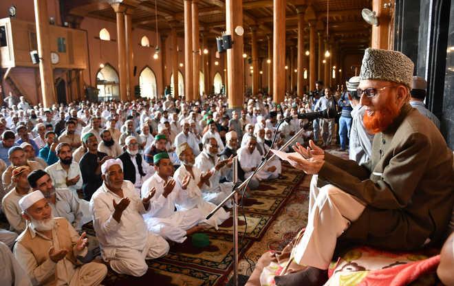 مسلمانان کشمیری نماز جمعه را مسجد جامع برگزار کردند