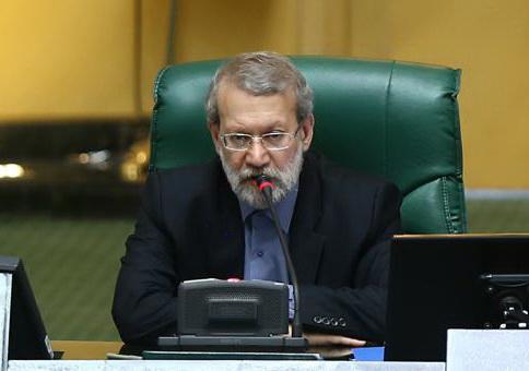روایت لاریجانی از جلسه غیرعلنی امروز مجلس درباره بررسی قیمت بنزین