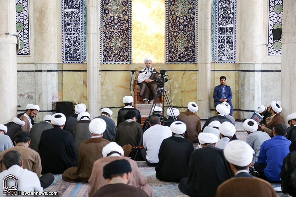 تصاویر/ آغاز درس خارج آیت الله العظمی سبحانی