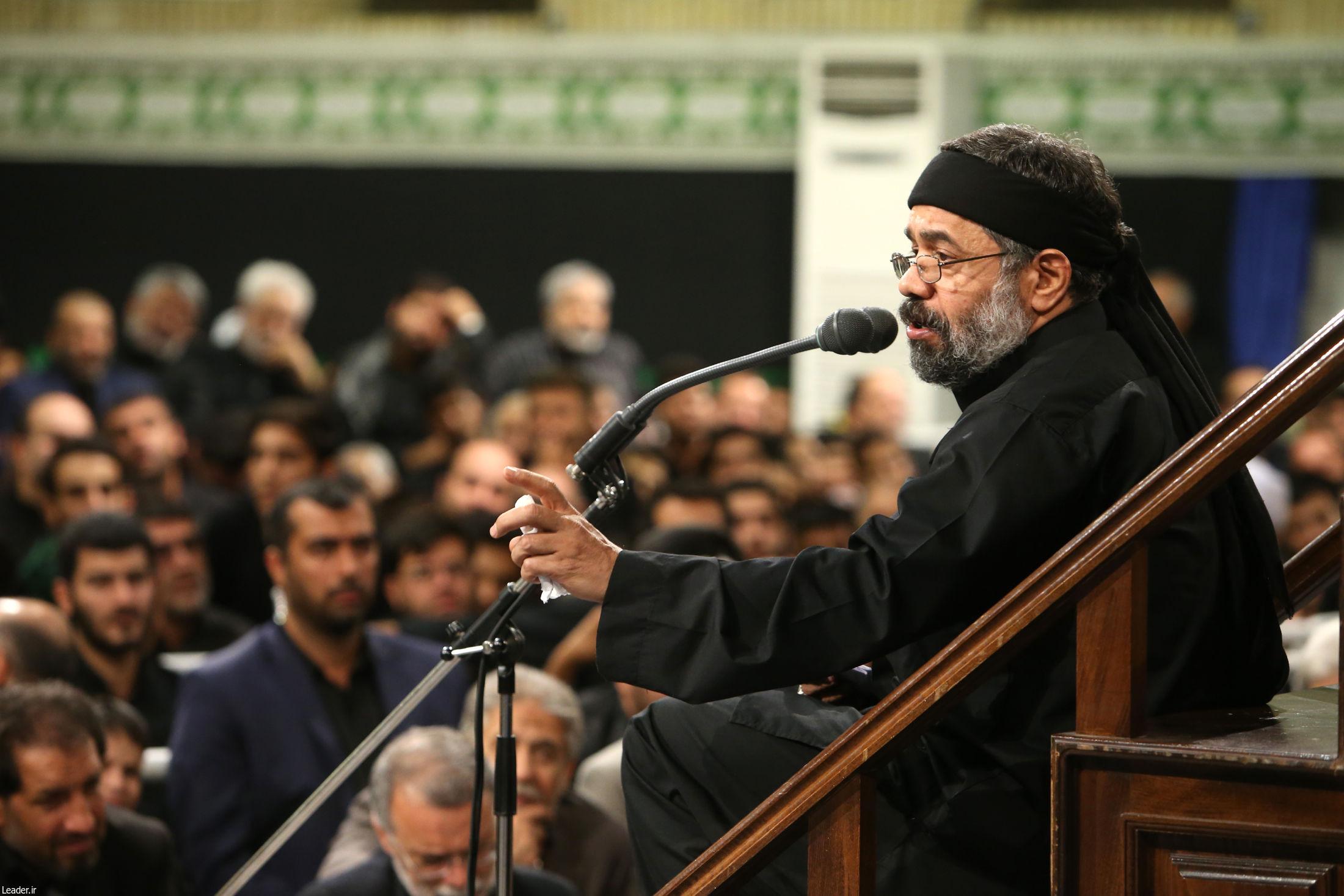 تصاویر/ مراسم عزاداری شب عاشورای حسینی با حضور رهبر معظم انقلاب