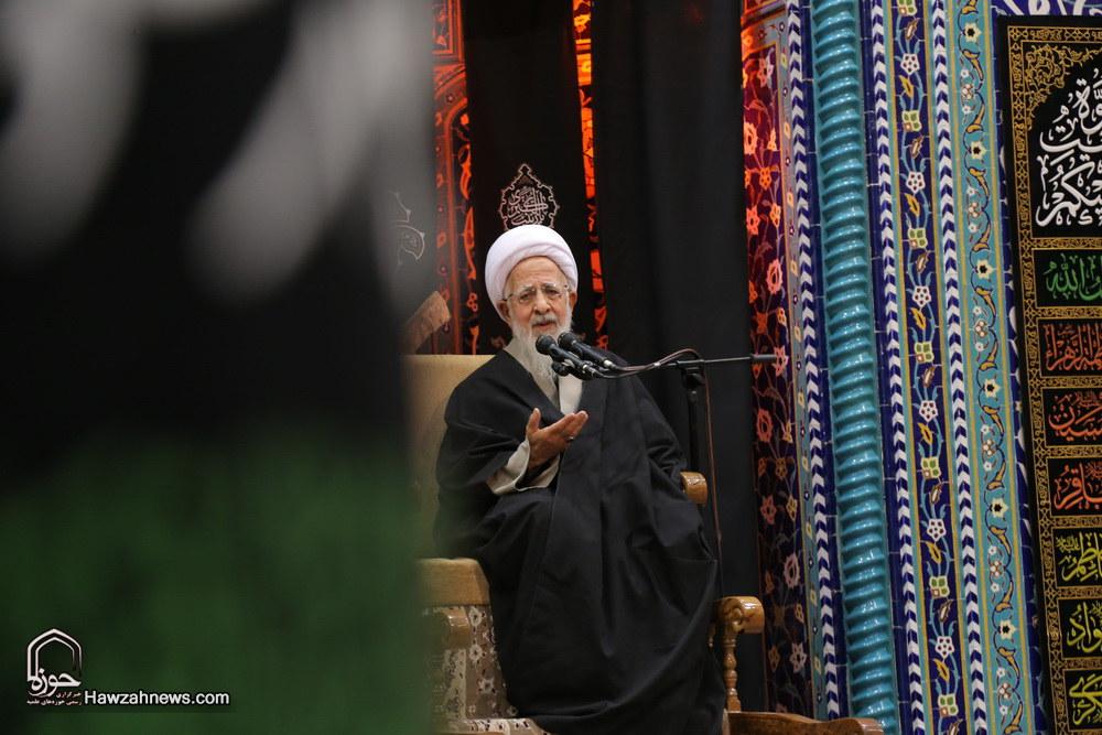 تصاویر/ مراسم عزاداری شب عاشورا در دفتر آیت الله العظمی جوادی آملی