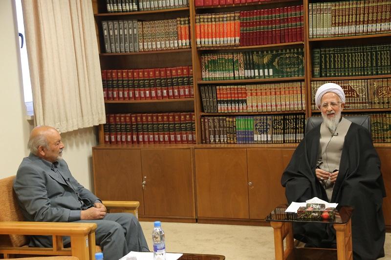 آیت الله العظمی جوادی آملی در دیدار محمدحسن طریقت منفرد رئیس کمیسیون سلامت مجمع عالی بسیج