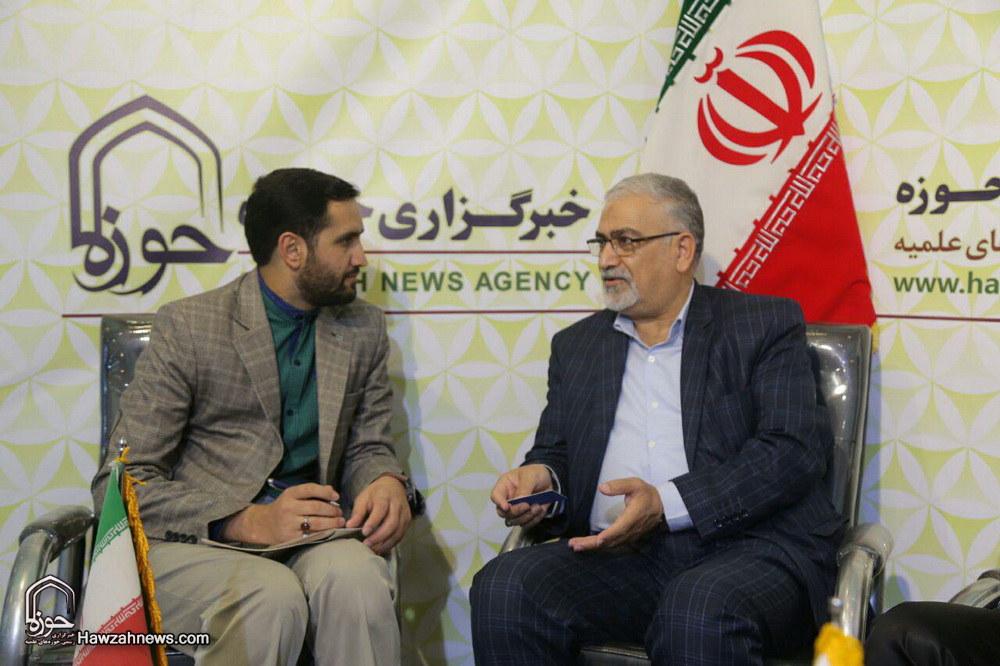 تصاویر/ غرفه خبرگزاری حوزه در هفتمین روز نمایشگاه مطبوعات-۱