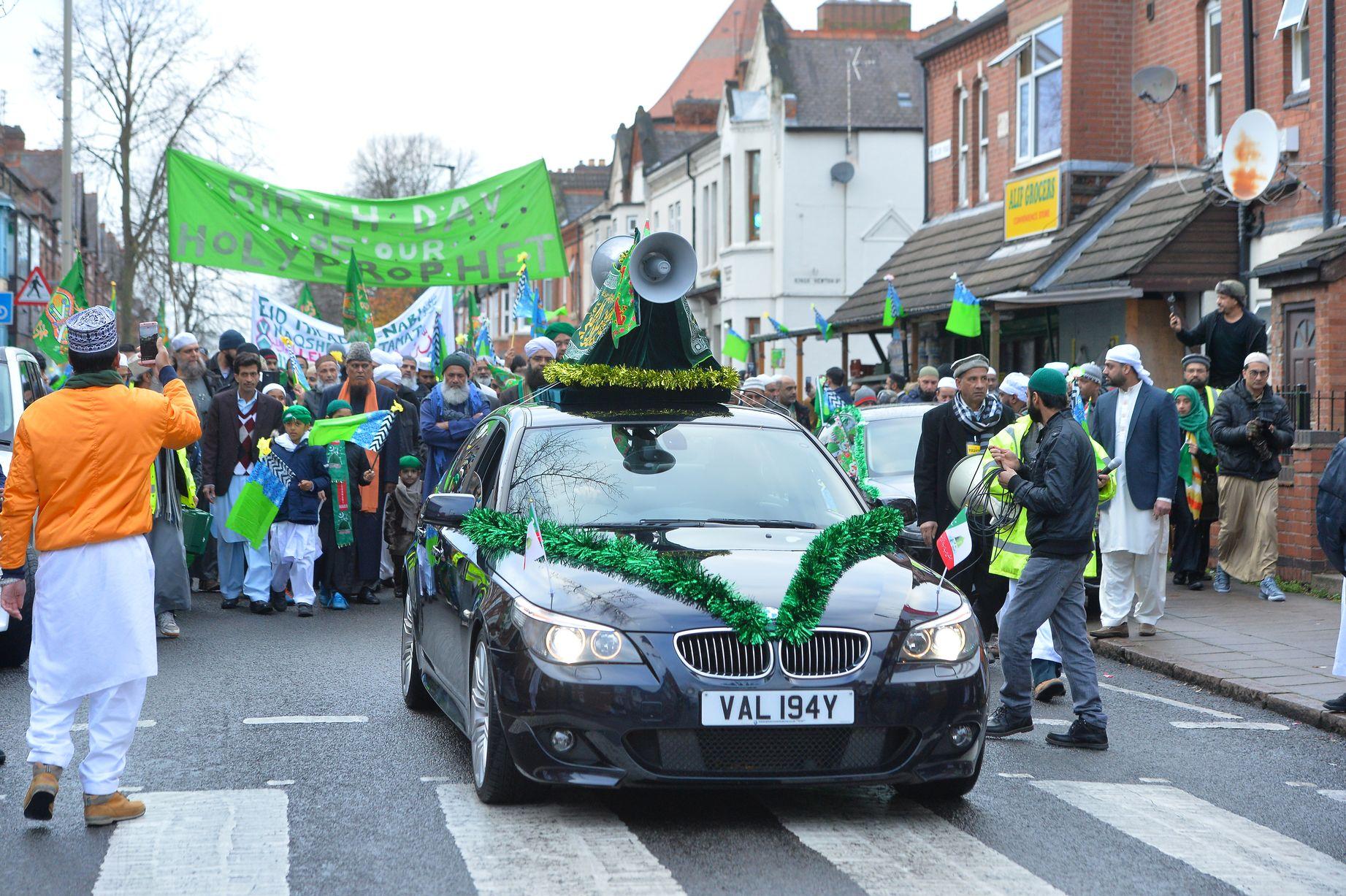 رژه جشن میلاد پیامبر اکرم (ص) در لستر انگلیس