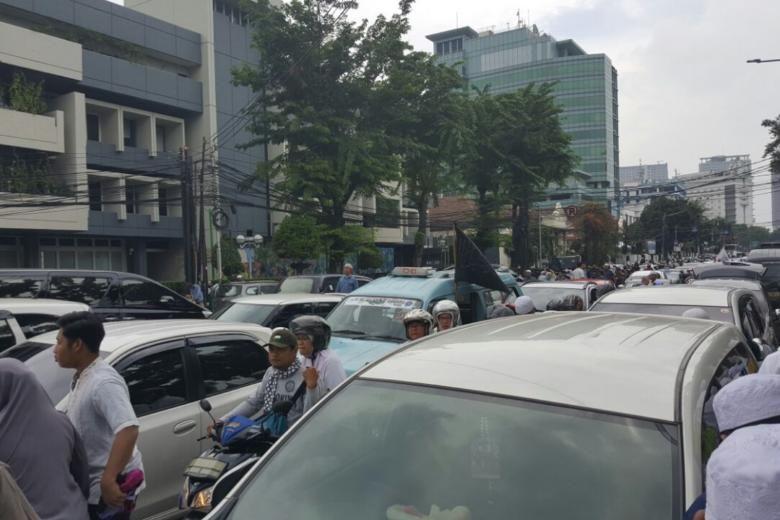 اعتراض مردم جاکارتا به تصمیم ترامپ