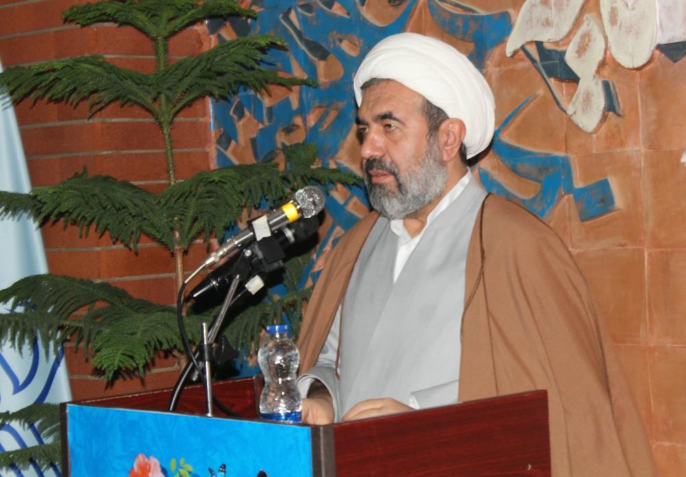 مدیر مرکز بزرگ اسلامی غرب کشور