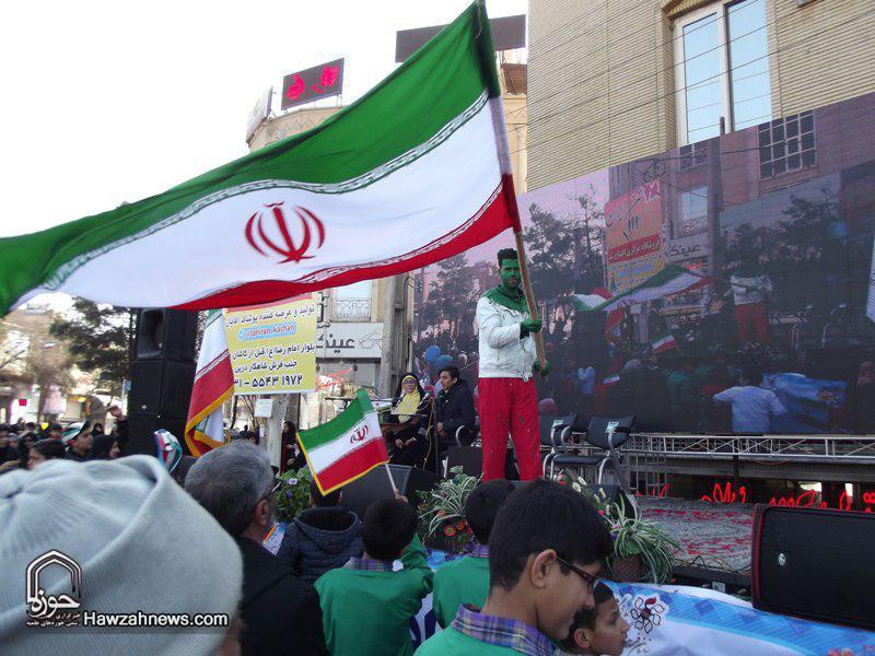 تصاویر/ حضور حماسی مردم کاشان در راهپیمایی ۲۲ بهمن
