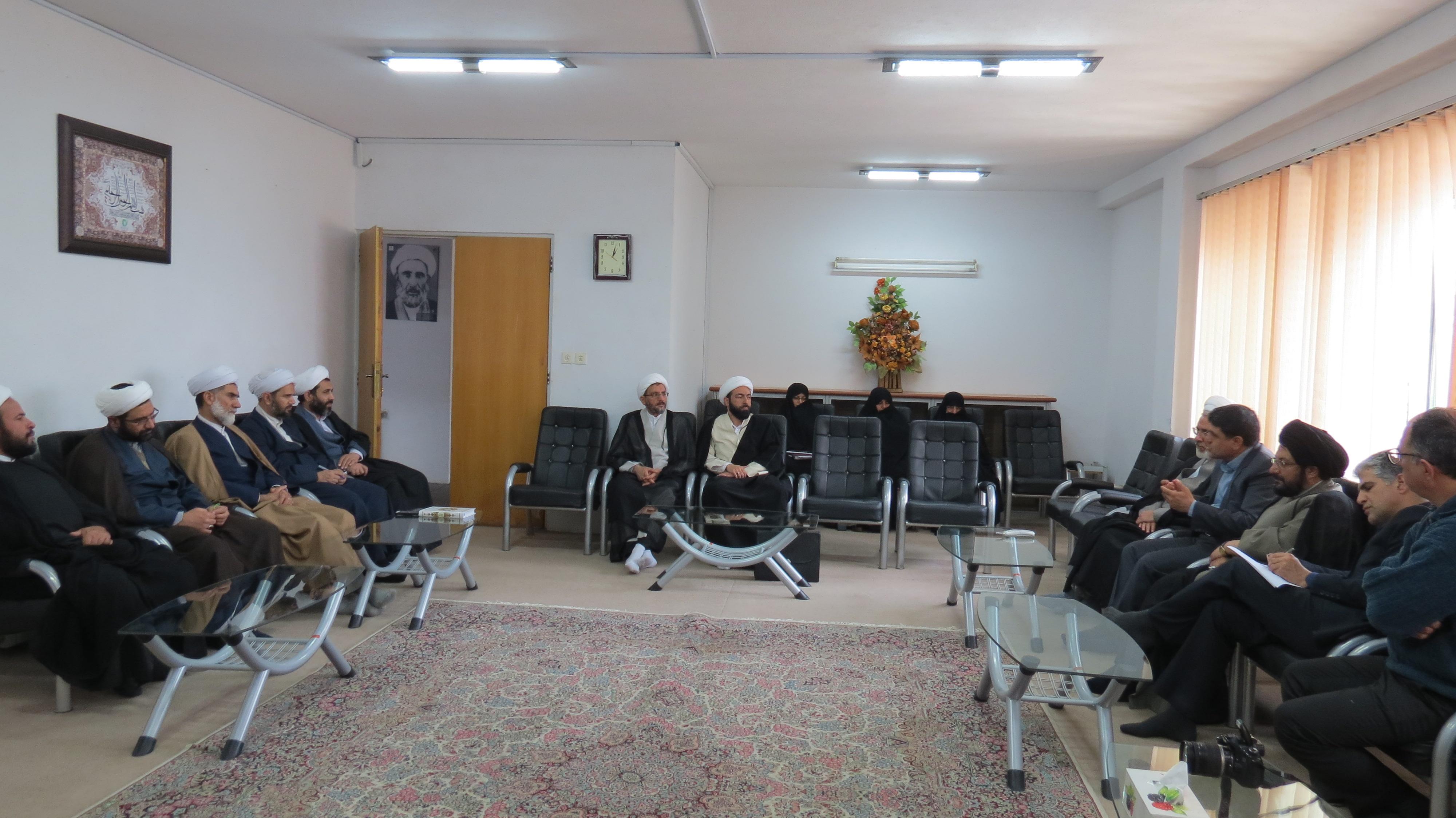 دیدار مدیر کل منابع طبیعی کرمان با مدیران مدارس کرمان
