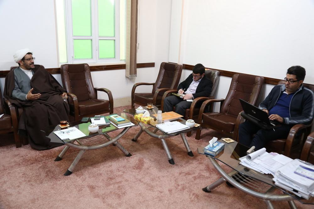 حجت الاسلام والمسلمین عبدالرسول هاجری مسئول دبیرخانه انجمن های علمی حوزه