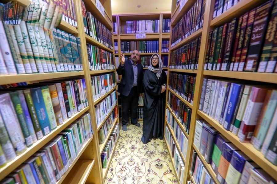 پروفسور آمریکایی بعد از تشرف به اسلام به حرم امیر المؤمنین(ع) مشرف شد