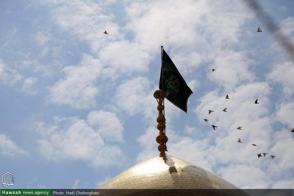 رونمایی از پرچم جدید گنبد حرم حضرت فاطمه معصومه سلام الله علیها
