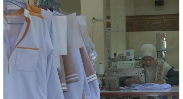 خیریه اسلامی در تایلند، برای ۳ هزار کودک یتیم پوشاک می دوزد
