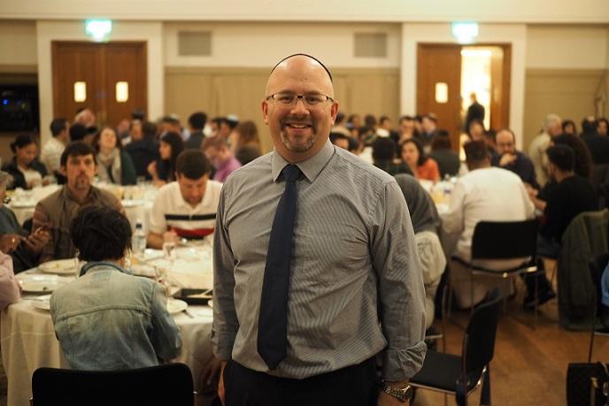 کنیسه یهودیان در غرب لندن، مراسم افطاری میان ادیانی برگزار کرد