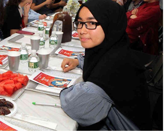 مراسم افطار میان ادیانی نوجوانان مسلمان و یهودی در بروکلین برگزار شد