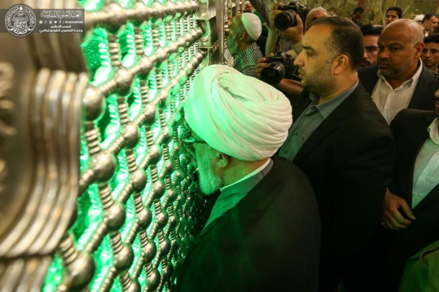 تولیت آستان مقدس حسینی به زیارت حرم امیر المؤمنین (ع) مشرف شد