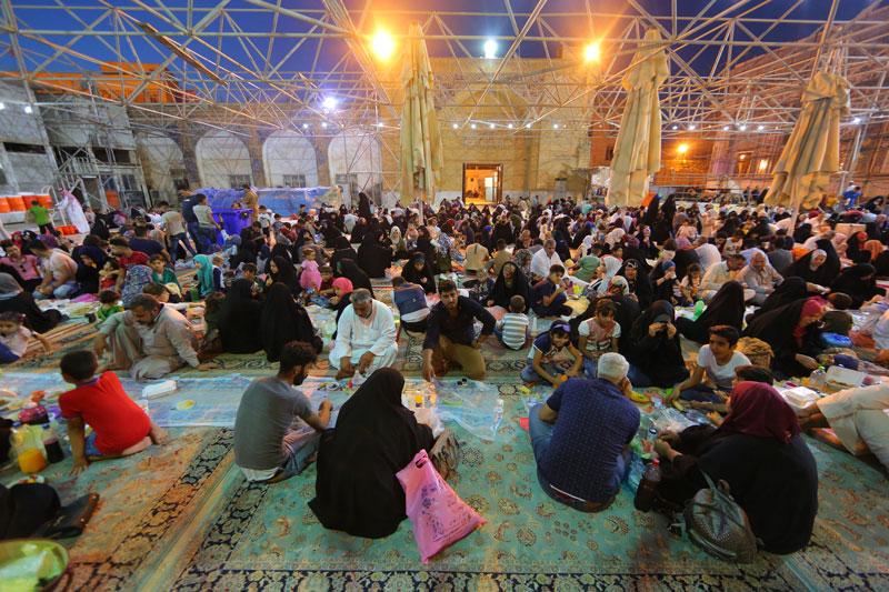 افطاری در حرم عسکریین(ع)