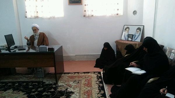 دیدار فاضل گلپایگانی با کارکنان مدرسه حضرت زینب یزد