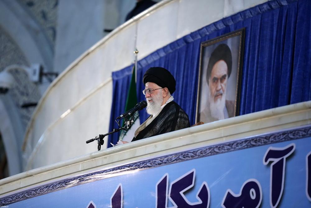 تصاویر/ حضور و سخنرانی رهبر انقلاب  در مراسم بیست و نهمین سالگرد رحلت امام(ره)