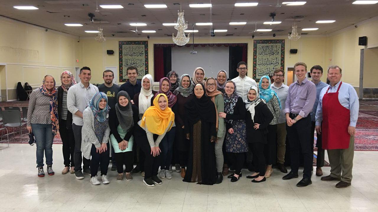 حضور مسیحیان در مراسم افطاری مرکز تعلیمات اسلامی واشنگتن