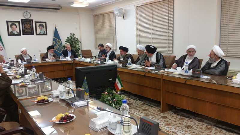 نشست نمایندگان مردم قم در مجلس شورای اسلامی با جامعه مدرسین