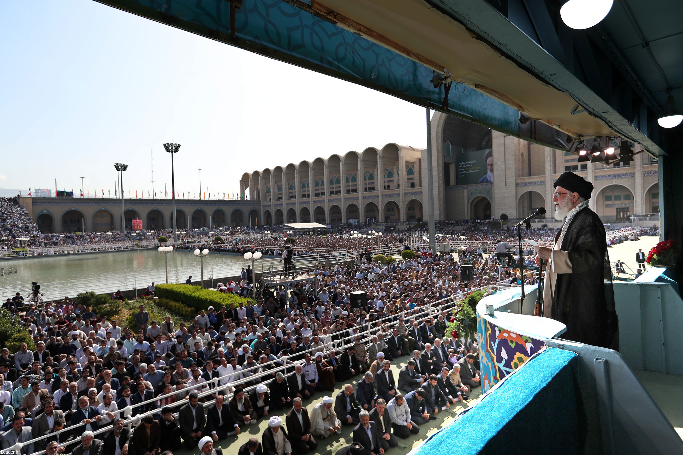 نماز عید سعید فطر به امامت رهبر انقلاب