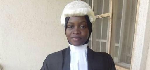 دانشجوی محجبه نیجریه ای اجازه فارغ التحصیلی از دانشکده حقوق را به دست آورد