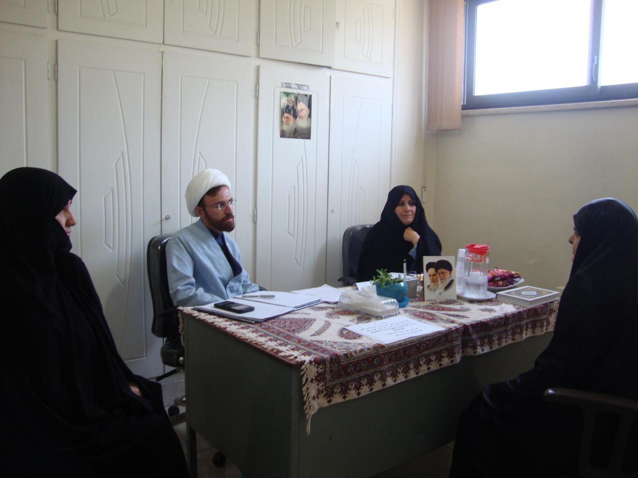 برگزاری مصاحبه پذیرفته شدگان آزمون مشاوره کانون های خادمان رضوی استان اصفهان