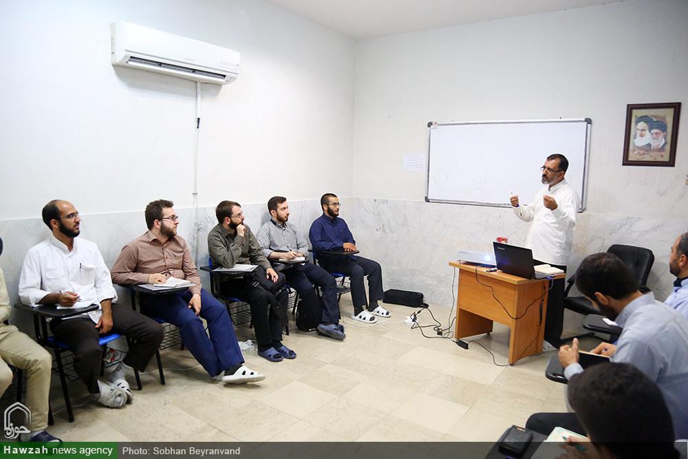 تصاویر/ کلاس های روز اول دوره آموزشی مهارتهای رسانهای(ویژه طلاب) در تهران