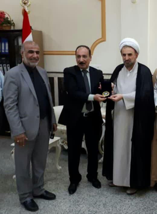 """جایزه سالانه """"نوآوری نظریه جهانی"""" عراق به رئیس دانشگاه مذاهب اسلامی اهدا شد"""