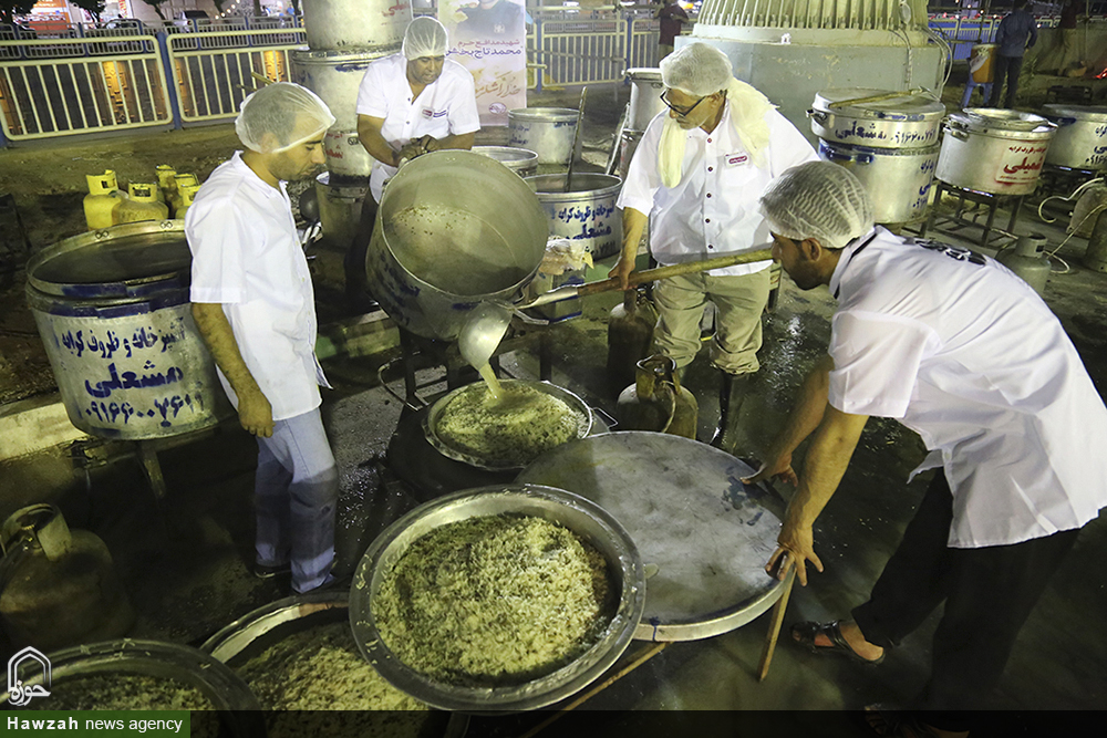 طرح «ضیافت علوی» طبخ ۱۱۴ هزار غذای متبرک در اهواز