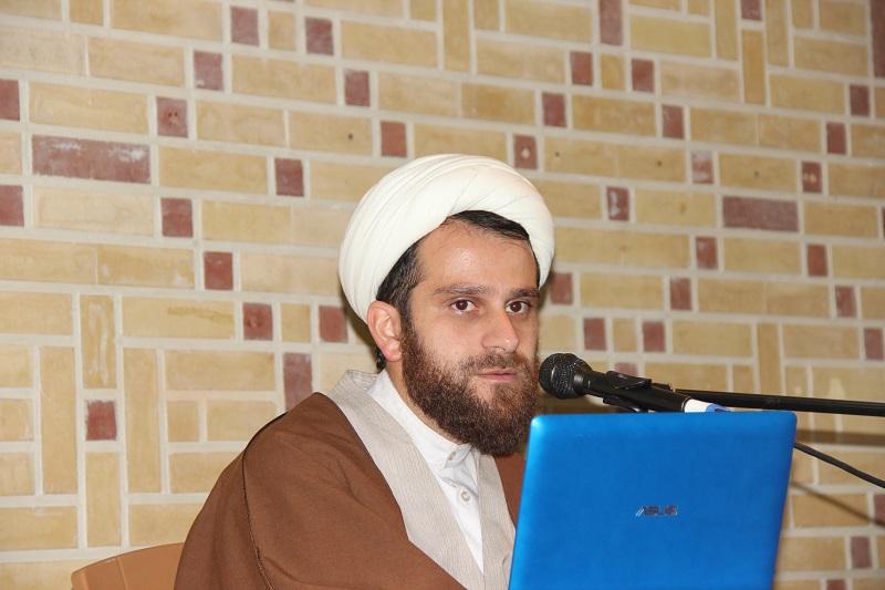 حجت الاسلام محمد کرباسی مسئول آموزش دفتر مطالعات فضای مجازی