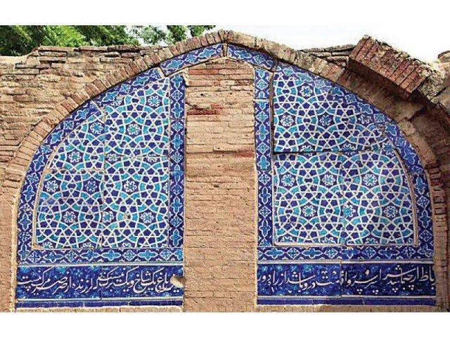 پروژه مرمت رباعی های شاعران فارسی زبان بر دیوار «مسجد ساوی» در پاکستان