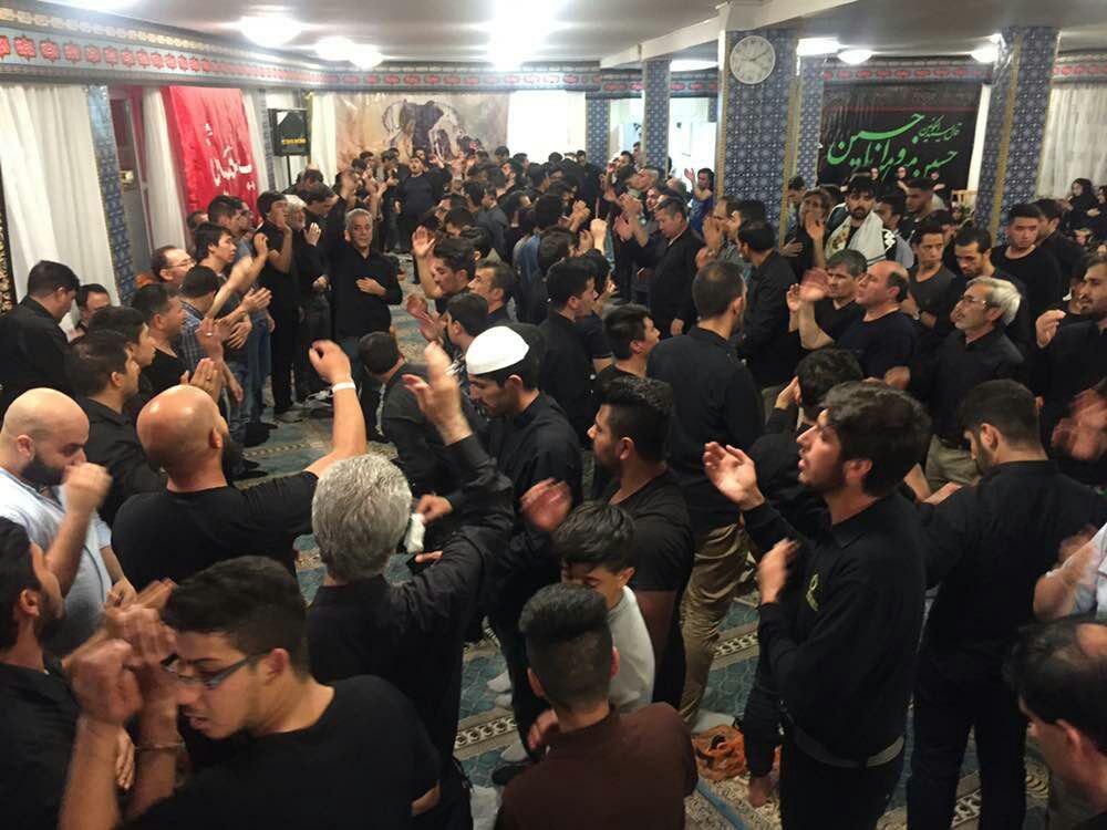 مراسم عزاداری حسینی در مرکز اسلامی برلین با حضور دوستداران اهل بیت(ع)