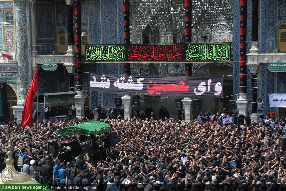 تصاویر/ حال و هوای حرم حضرت معصومه(س) در عاشورای حسینی