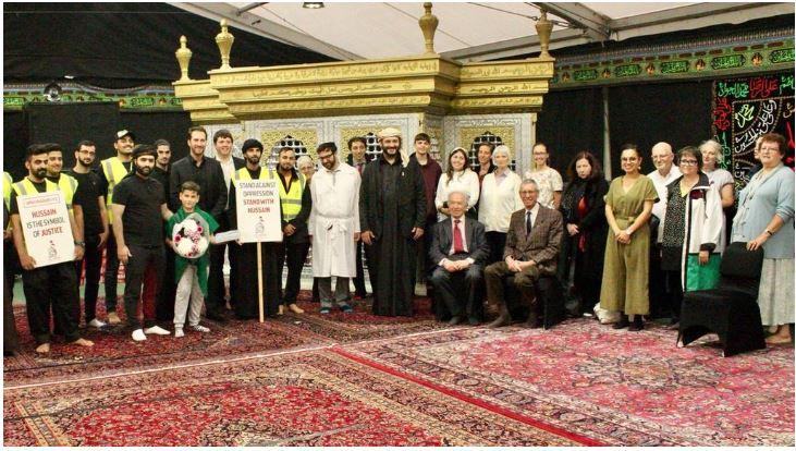 بازدید یهودیان از مسجد شیعیان در لندن که مورد حمله اسلام هراسی قرار گرفت