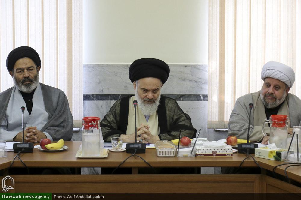 تصاویر/ نشست کارکنان دبیرخانه شورای عالی حوزه های علمیه