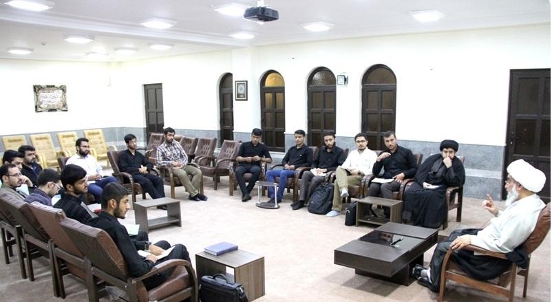 دیدار دبیران تشکل های دانشجویی بوشهر با نماینده ولی فقیه در استان