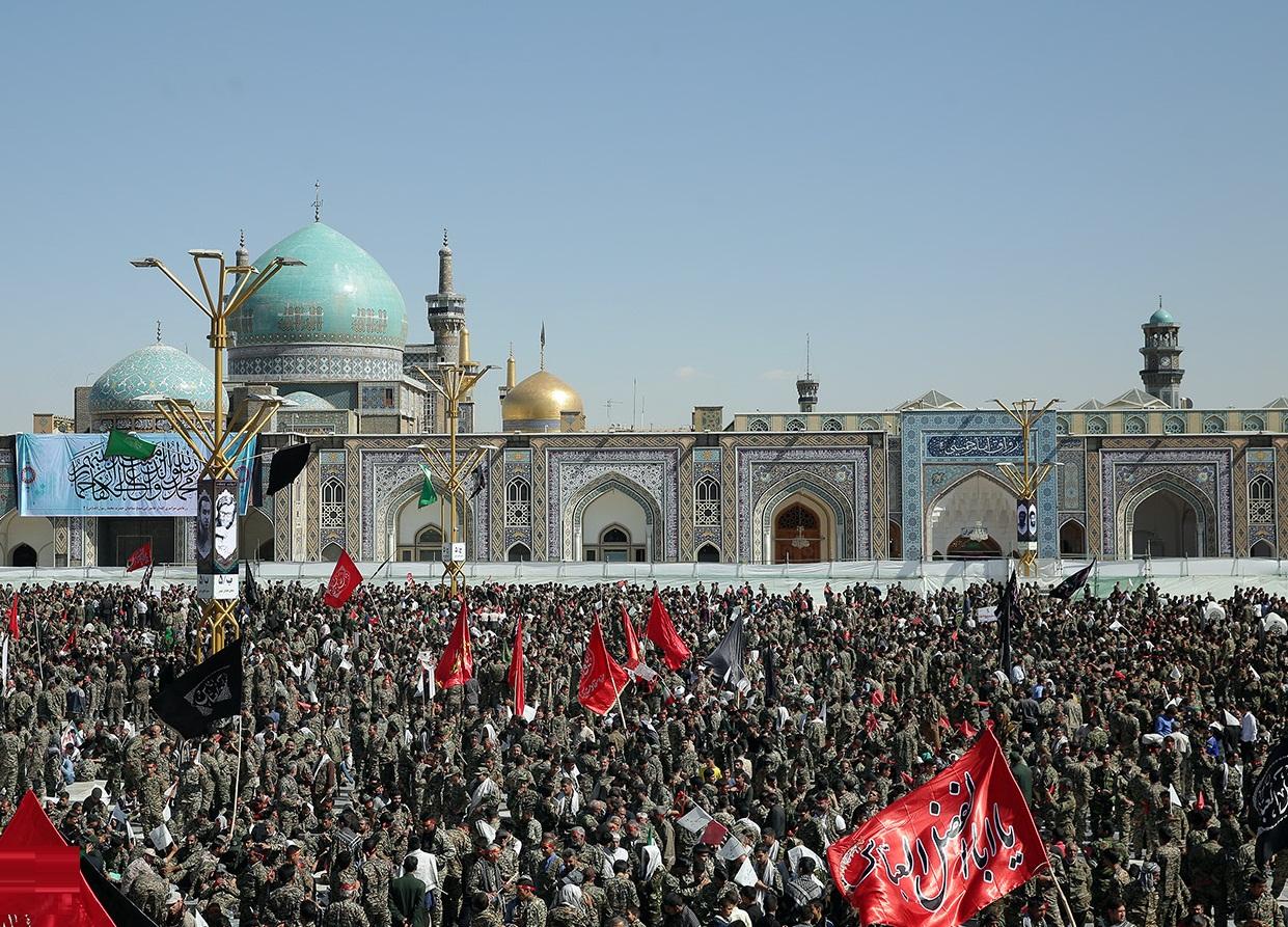 اجتماع ۳۶ هزار نفری بسیجیان مشهد مقدس در حرم رضوی