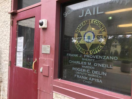 زندانی مسلمان  در نیوجرسی علیه تبعیض دینی شکایت کرد