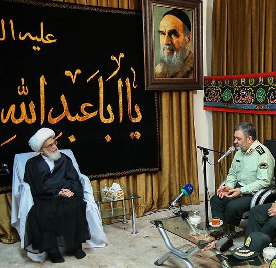 حضرت آیت الله نوری همدانی  در دیدار سردار اشتری فرمانده نیروی انتظامی جمهوری اسلامی