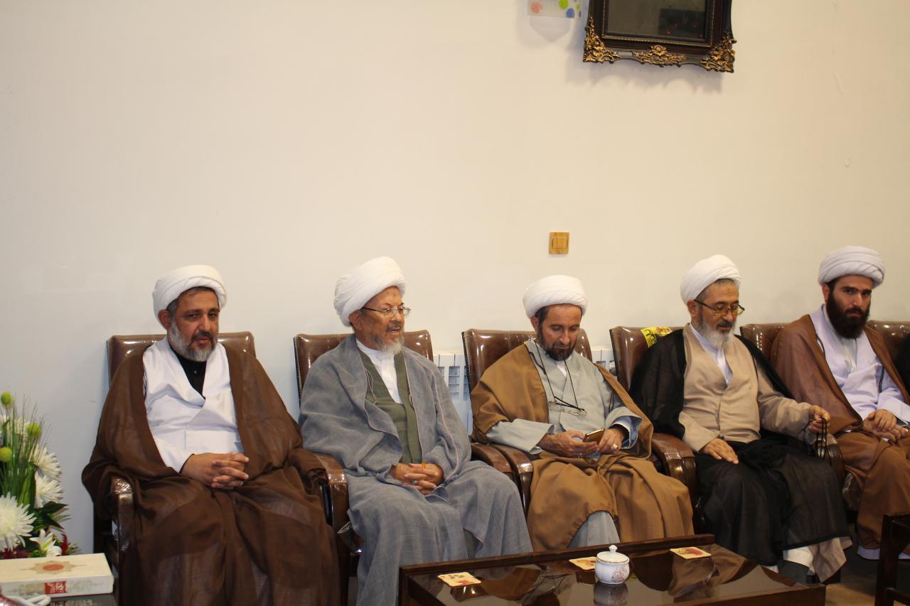دیدار روحانیون  با حجت الاسلام والمسلمین کریمی تبار- نماینده جدید ولی فقیه در ایلام