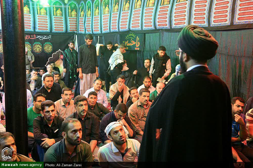 تصاویر/ فعالیتهای تبلیغی و خدماتی روحانیون در پیاده روی اربعین حسینی