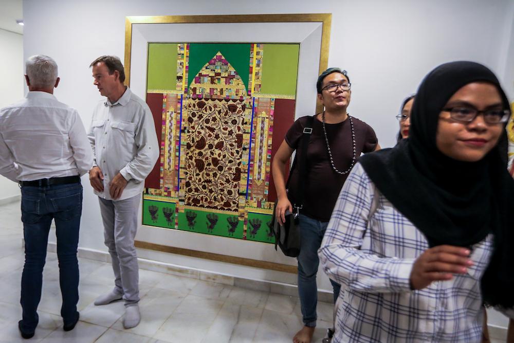 نمایشگاه هنری «حلال و حرام» در کوالالامپور برگزار شد