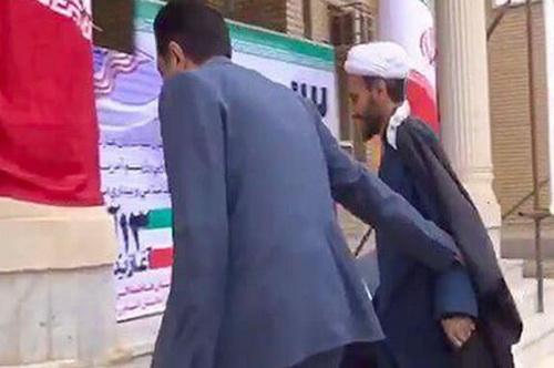 ماجرای  بین  امام جمعه و  بخشدار الوار گرمسیری در ۱۳ آبان چه بود+ فیلم و سند