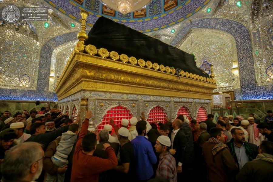زائران حرم امیرالمومنین(ع) برای امام حسن عسکری(ع) عزاداری کردند