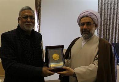 رئیس جامعةالمصطفی در دیدار «پروفسور ماهرخ خان میرزا»، رئیس دانشگاه خواجه معینالدین هندوستان
