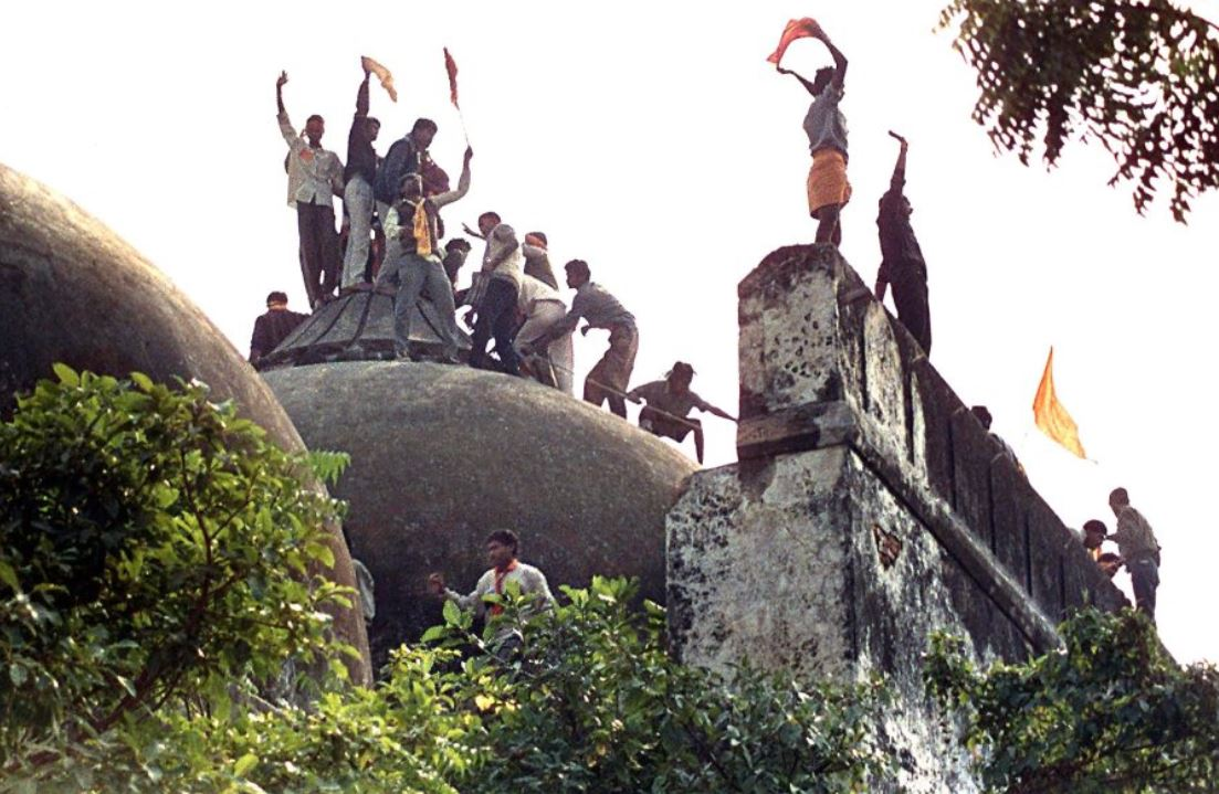 باستان شناسان هندی درباره وجود معبد در زیر مسجد بابری دروغ گفته اند