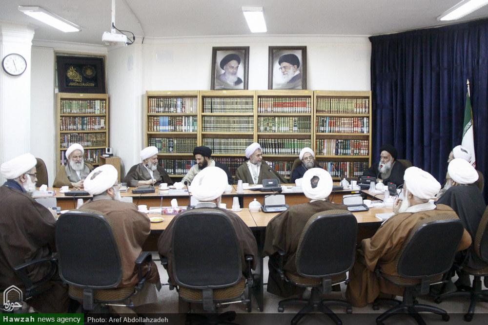 تصاویر/ دیدار جمعی از اساتید حوزه با آیت الله اعرافی