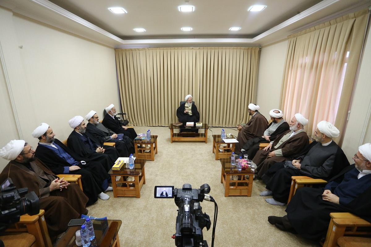 آیت الله العظمی جوادی آملی در دیدار اعضای شورای طرح گفتمان علمی انقلاب اسلامی